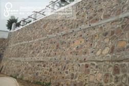 自然岩壁攀岩墙